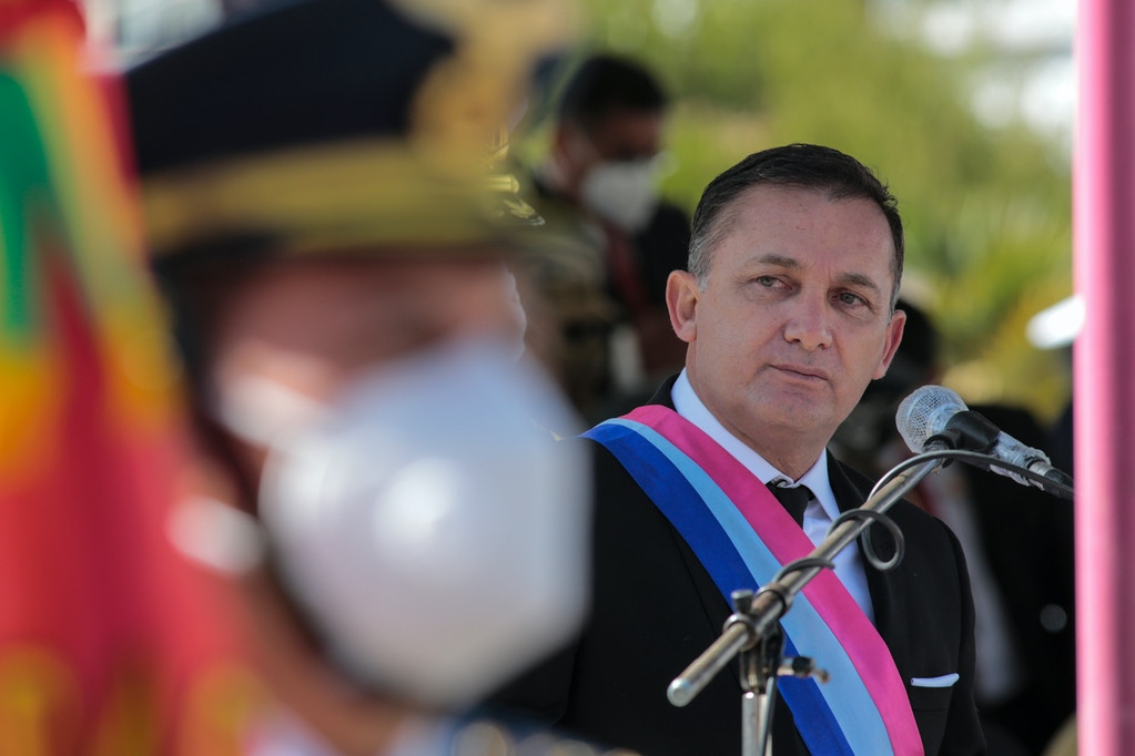 LA PAZ, BOLIVIA - JULY 20: Minister of Defense and Health Luis Fernando López (R) looks on without a face mask during the promotion ceremony for high ranking officers of Bolivian Armed Forces at Gran Cuartel de Miraflores on July 20, 2020 in La Paz, Bolivia. (Photo by Gaston Brito/Getty Images)
