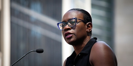 W3G59P Philadelphia, PA, USA - July 15, 2019: Bernie2020 campaign co-chair Sen. Nina Turner introduces Democratic presidential candidate Sen. Bernie Sanders at a rally to stop the impending closure of Hahnemann University Hospital in Center City, Philadelphia. Credit: Jana Shea/OOgImages