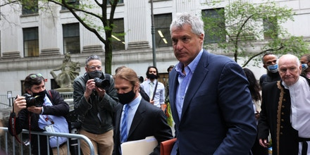 Attorney Steven Donziger arrives for a court appearance at Daniel Patrick Moynihan United States Courthouse on May 10, 2021, in New York City.
